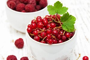 Fresh red currant and raspberries