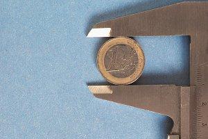 caliper measuring tool
