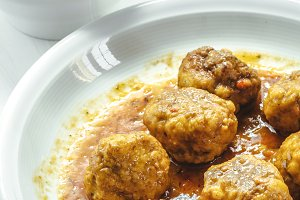 Meatballs with white rice