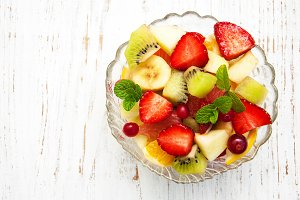 Salad with fresh fruits