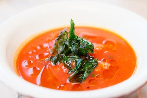 Tomato soup with dried spinach
