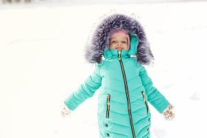 Little girl in winter.