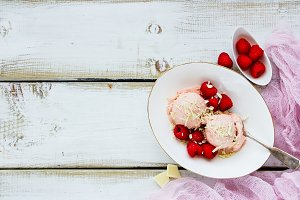 Raspberry ice-cream