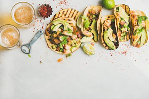 Corn tortillas with grilled chicken