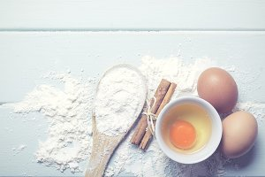 Eggs with flour and cinnamon