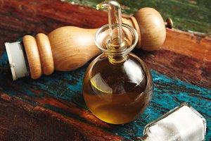 Pepper, salt and olive oil set