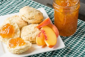 Biscuits with peaches and jam