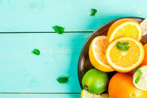 Plate with citrus & mint