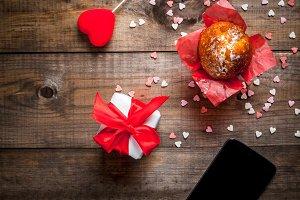 Valentine's. Coffee, gift & cupcake