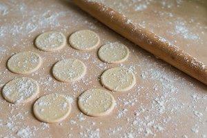 Dough circles and rolling pin