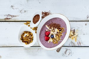 Breakfast bowl of smoothie