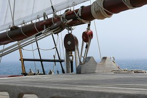 Pulleys and hoists of a schooner