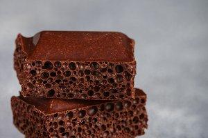 Porous milk chocolate