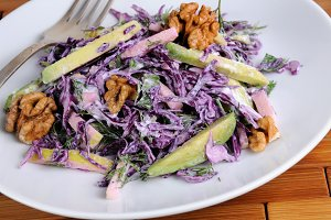red coleslaw salad