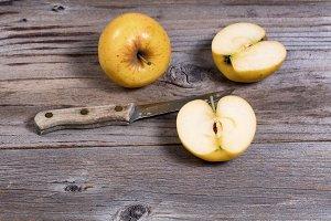 Sliced Golden Apple