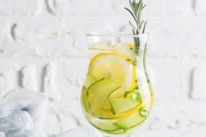 detox water with lemon and cucumber