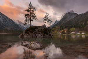 Bavaria near the lake Hintersee Web