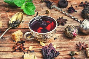 Tea and kitchen herbs