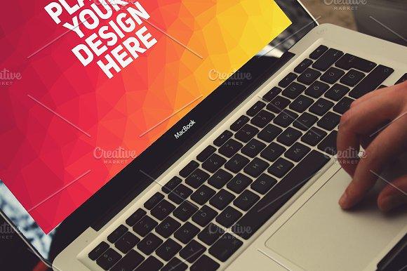 MacBook Display Mock-up#11