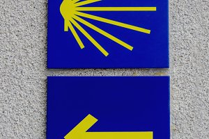 Saitn James path directional signs
