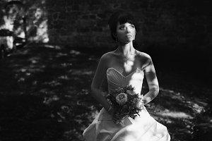 Sun rays lie on a bride