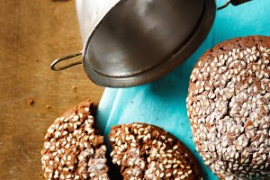 Chocolate oat cookies with sesame