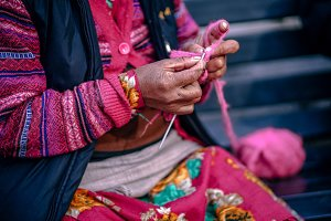 Weaving a Scarf