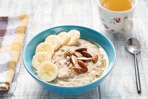Banana oatmeal porridge