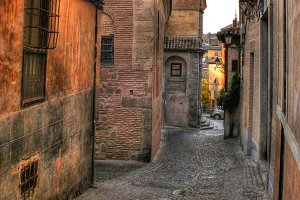 Narrow alley in Toledo (Spain)