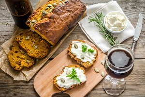 Pumpkin bread with cream cheese