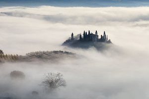 Foggy morning in Val d'Orcia TIF