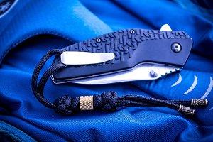 Folding knife. Pocket.