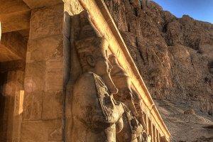 Hatshepsut statues detail
