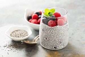 Vanilla chia pudding with fresh berries