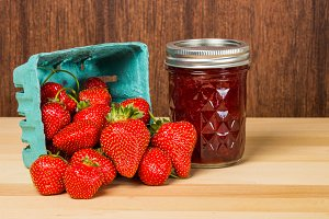 Fresh strawberries and jam