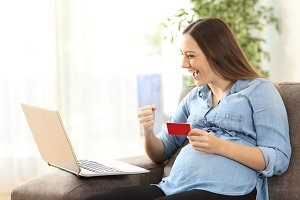 pregnant woman buying on line