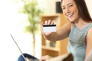 Girl buying on line