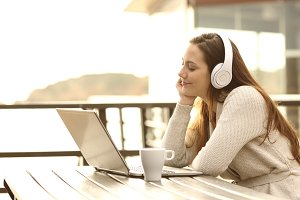 listening music with a laptop