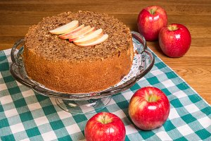 Apple cake with apples