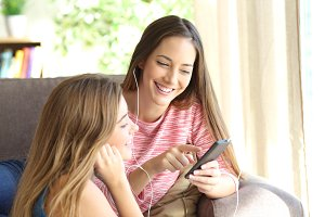 friends listening music together