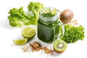 Healthy green smoothie wits seed.
