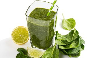 Green vegetable juice of spinach
