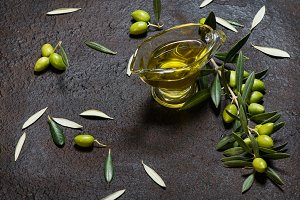 Green olives and olive oil.