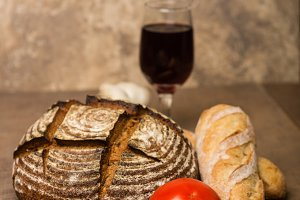 Rye bread with glass of wine