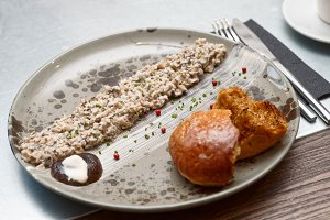 Mushroom caviar and grilled brioche