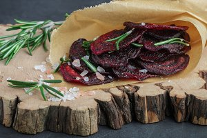 Healthy beetroot chips