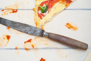 Italian pizza thin crust