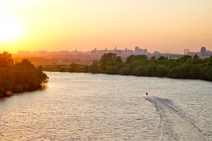Sunset on a Moskva River