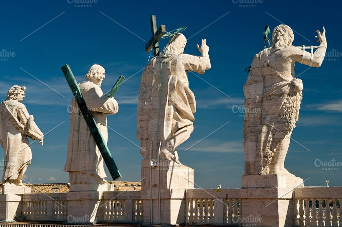 Statues on the roof of St. Peter`s - Architecture