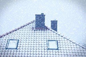 Winter storem over house.